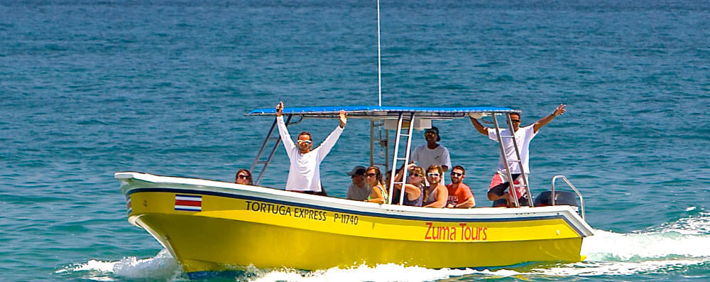 Boat-Arriving-at-Montezuma